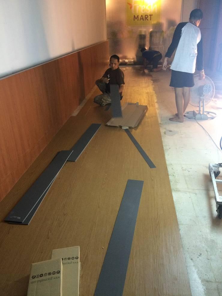 กระเบื้องยางลายไม้:  พื้นและกำแพง by C&M