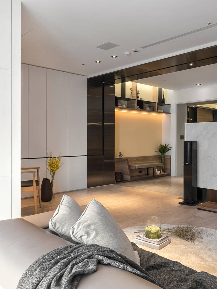 框景 │ 對話:  走廊 & 玄關 by 拾葉 建築室內設計