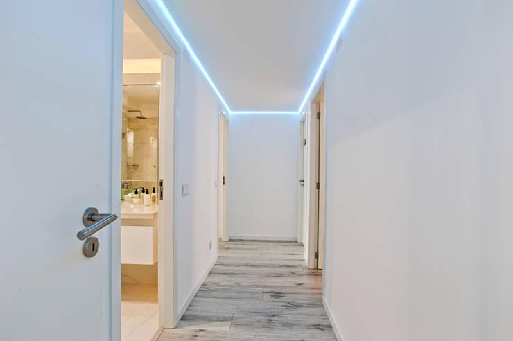 Corredor: Corredores e halls de entrada  por menta, creative architecture