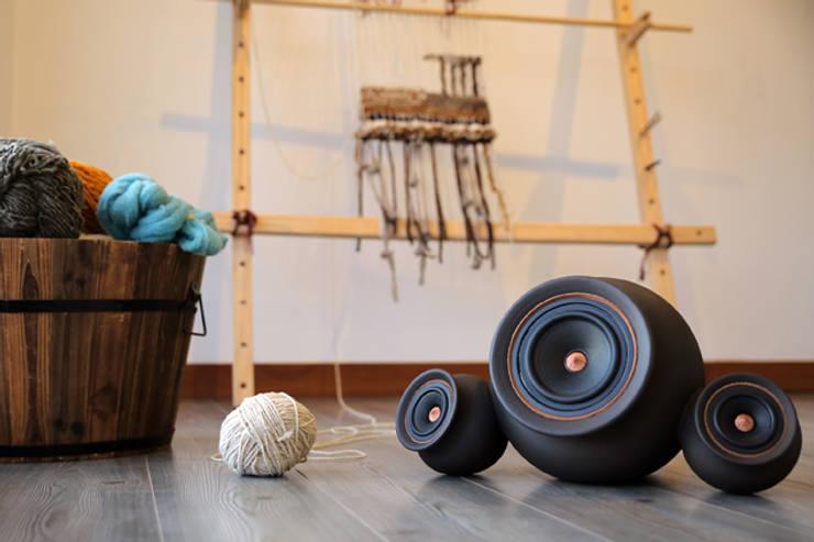 Mapuguaquén 2.1: Sala multimedia de estilo  por Documentary Design PE
