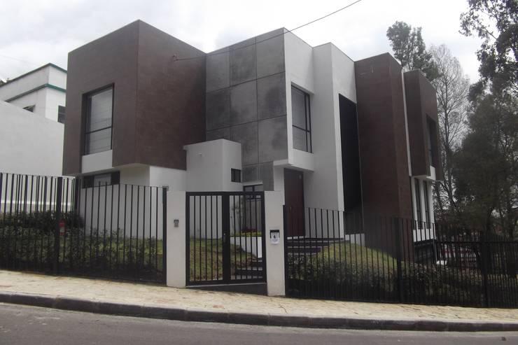 Case in stile  di Construcciones Cubicar S.A.S,