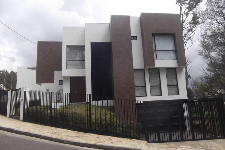Houses by Construcciones Cubicar S.A.S