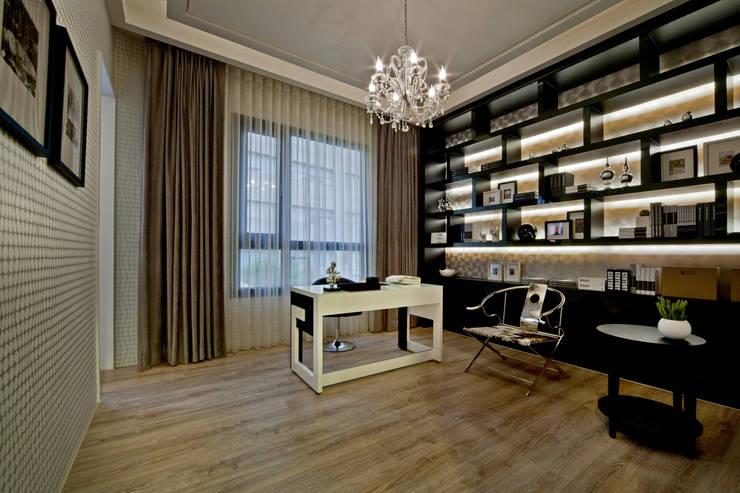 Study/office by 禾御建築室內設計有限公司