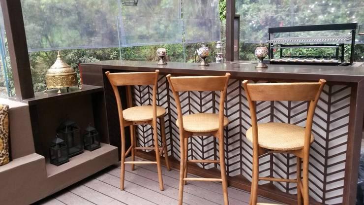 bar: Terrazas de estilo  por Ecologik