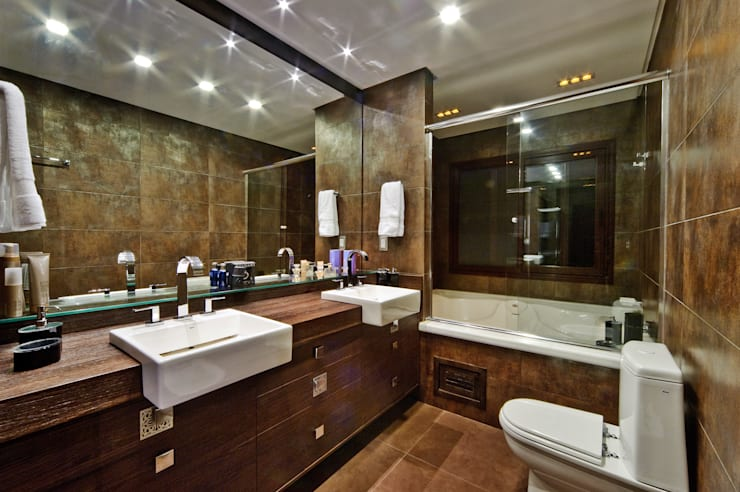 Bathroom by arquiteta aclaene de mello