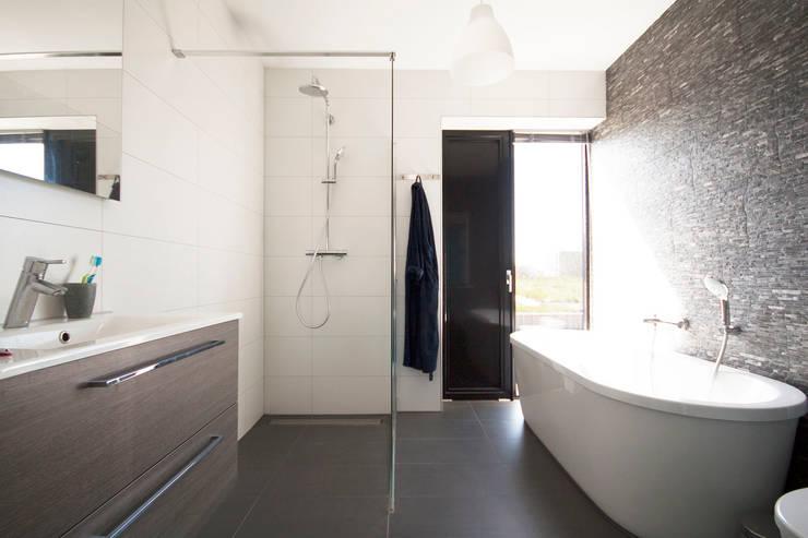 حمام تنفيذ 8A Architecten