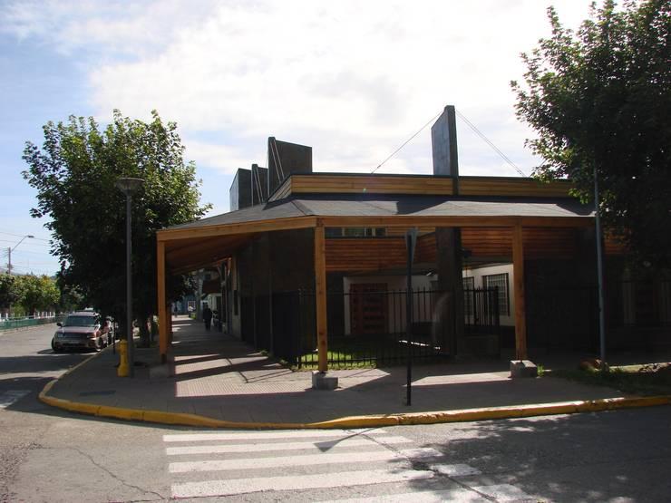 DISEÑO DE CLINICA DENTAL: Clínicas / Consultorios Médicos de estilo  por Dušan Marinković - Arquitectura - Santiago