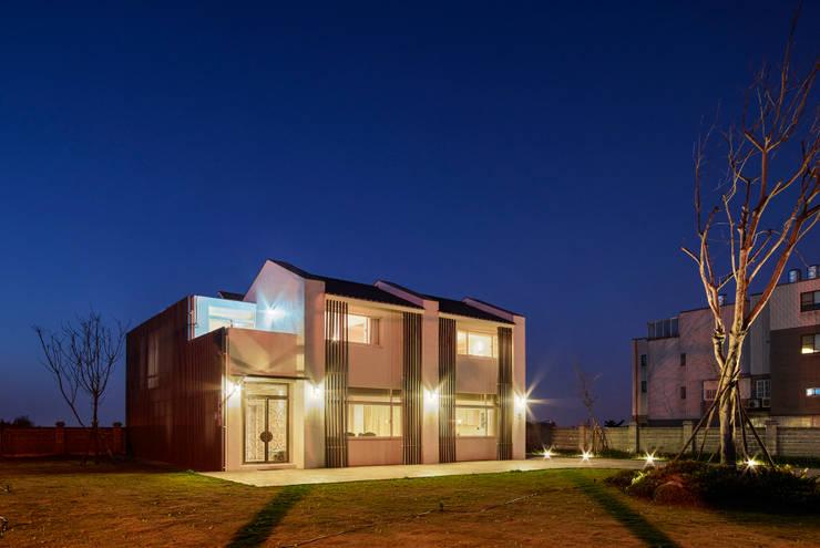北緯23.5度    23.5 Degrees North of the Equator:  房子 by Glocal Architecture Office (G.A.O) 吳宗憲建築師事務所/安藤國際室內裝修工程有限公司