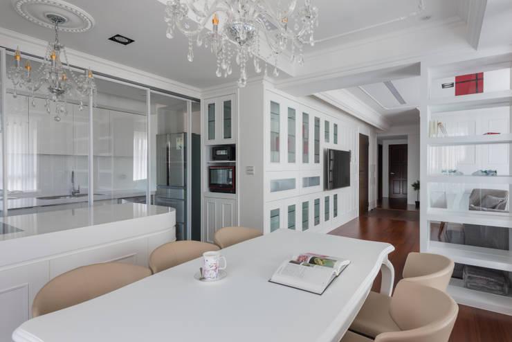 Cocinas de estilo  de Glocal Architecture Office (G.A.O) 吳宗憲建築師事務所/安藤國際室內裝修工程有限公司