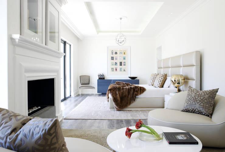 Sandhurst home:  Bedroom by Casarredo
