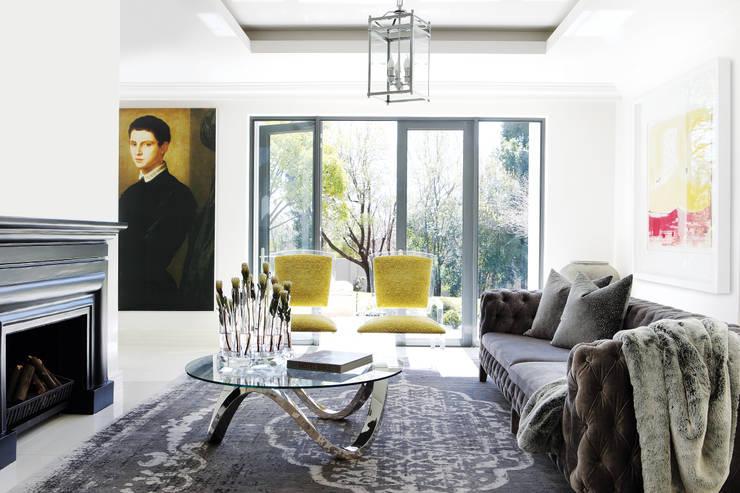 Sandhurst home:  Living room by Casarredo