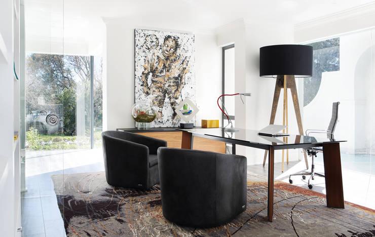 Sandhurst home:  Study/office by Casarredo