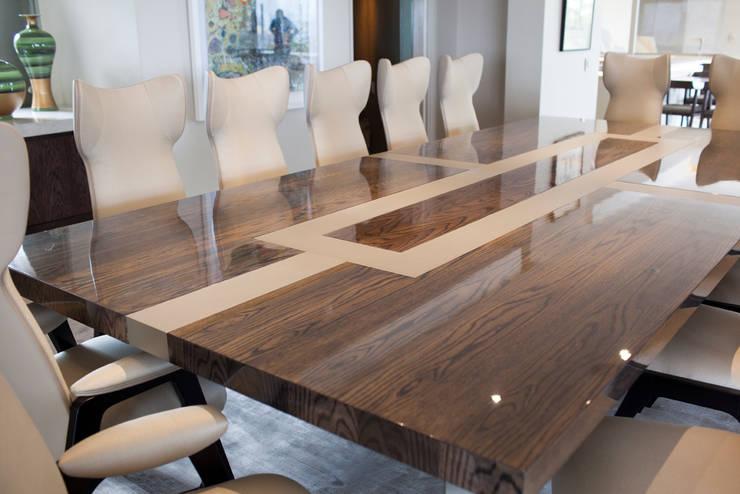 Fendi Casa:  Dining room by Casarredo