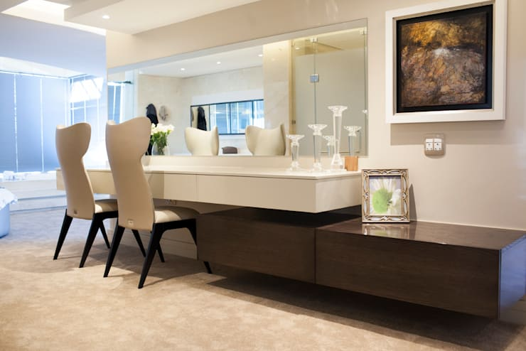 Bryanston home:  Dressing room by Casarredo