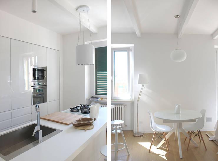 Cucina Zona Pranzo: Cucina in stile in stile Moderno di redesign lab