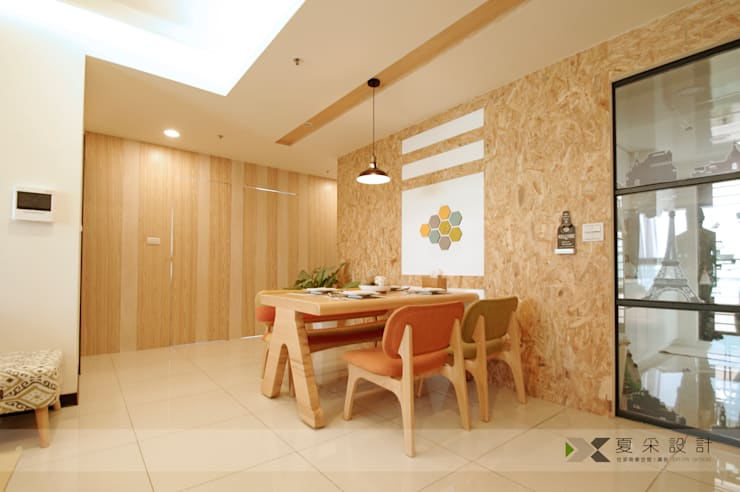 Sala da pranzo in stile  di 寬森空間設計