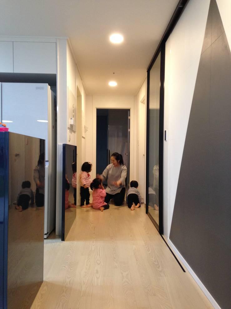 미사강변도시 신축아파트 인테리어 프로젝트 모던스타일 거실 by 사무소아홉칸 모던