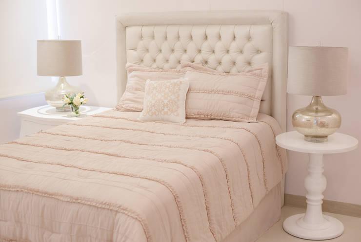Dormitorio infantil: Habitaciones infantiles de estilo  por Monica Saravia