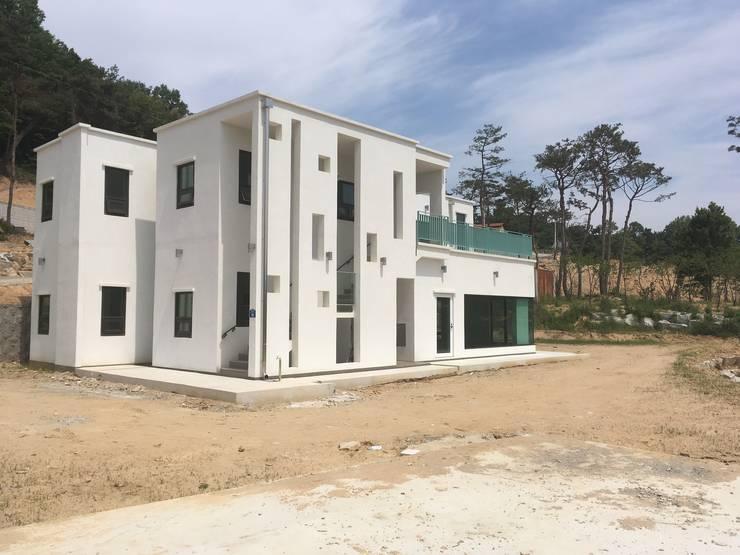 이성리주택: 이륙의  주택