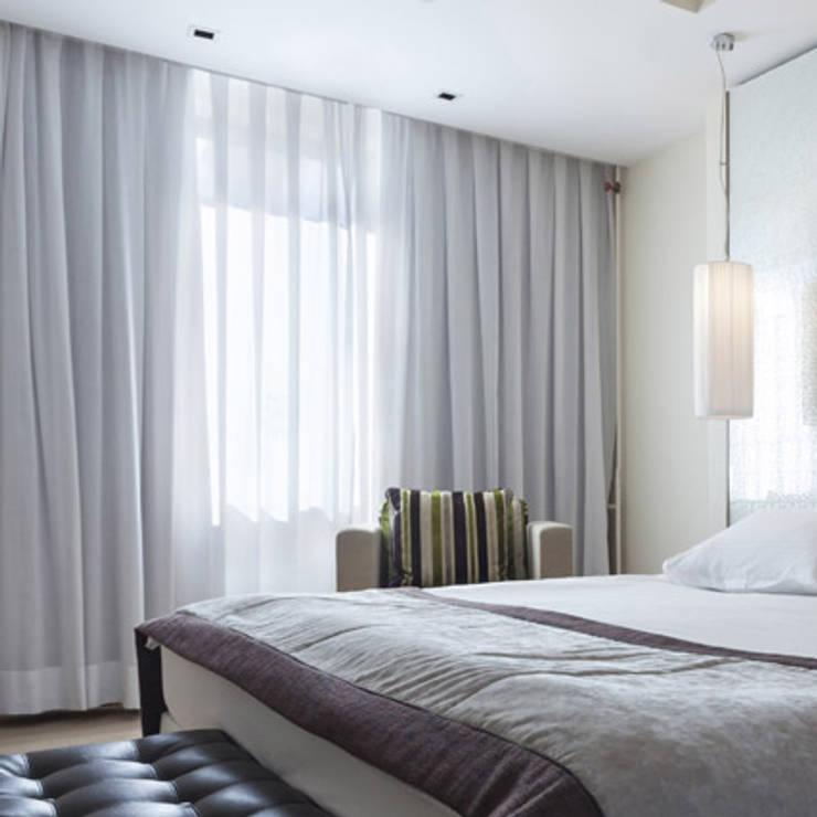 Cortinas en Velo : Dormitorios de estilo  por Cortinas y Persianas Decora