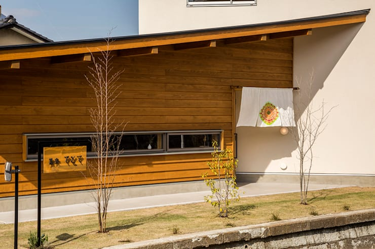 Casas de estilo  de 中山大輔建築設計事務所/Nakayama Architects,