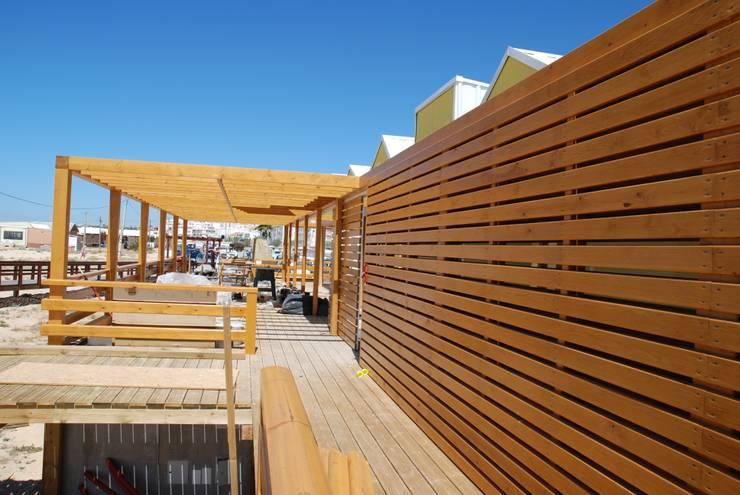 Restoran oleh Rusticasa, Minimalis Kayu Wood effect