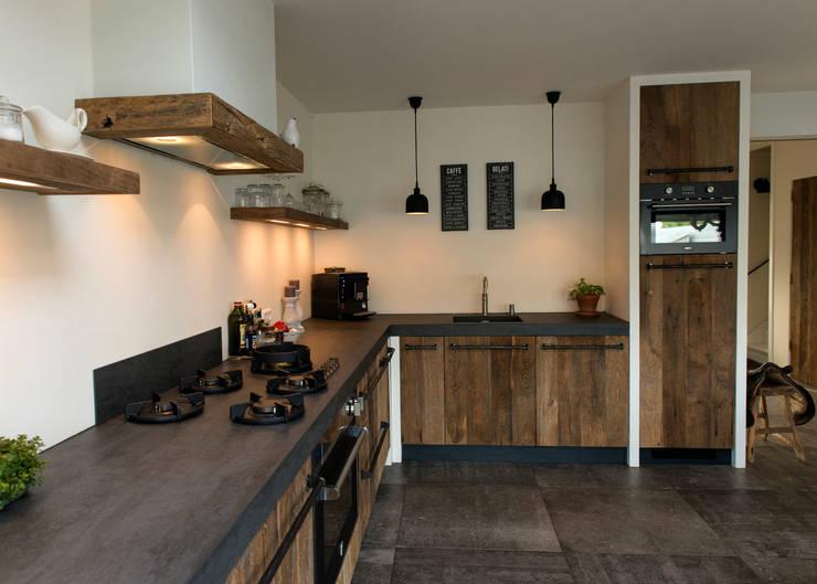 Restylexl: modern landelijke oud eiken keuken en interieur homify
