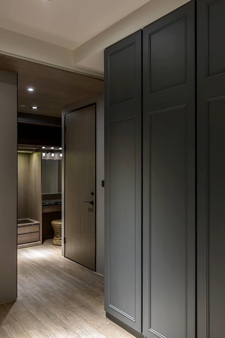 層峰匯:  更衣室 by 齊家。空間設計