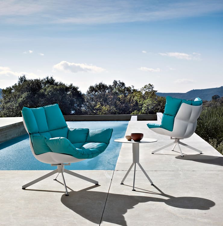 Husk Outdoor Armchair by B&B Italia:  Balconies, verandas & terraces  by Campbell Watson,