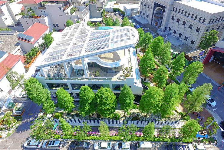 一樓右側琴鍵大道:  餐廳 by 植建築 鉅凱建築師事務所/原果室內創研設計