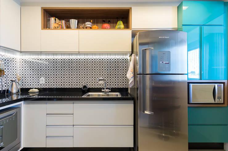 Projekty,  Kuchnia zaprojektowane przez Mímesis Arquitetura e Interiores
