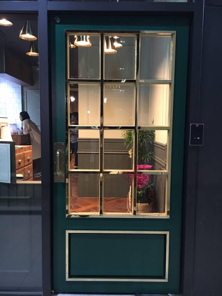NOI 레스토랑 인테리어: Design Partner Blue box의  레스토랑,