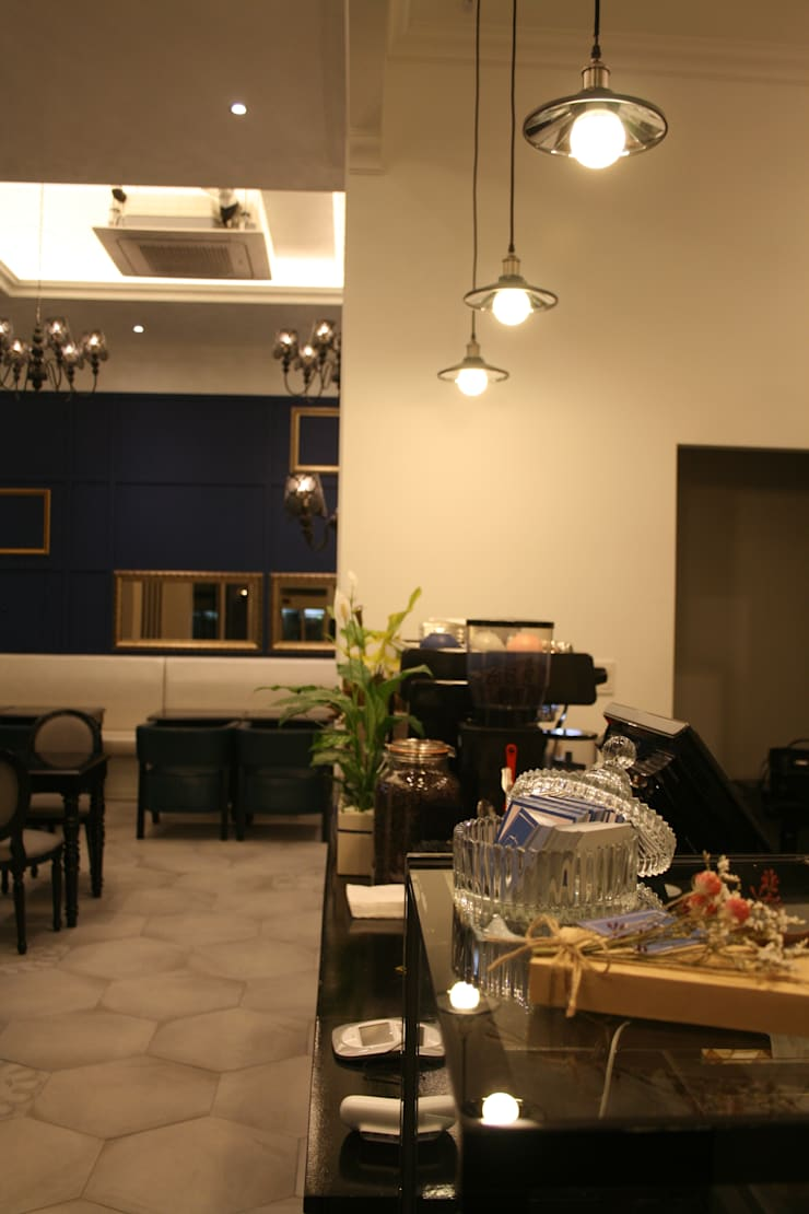 PETRICO 상업인테리어 : Design Partner Blue box의  상업 공간