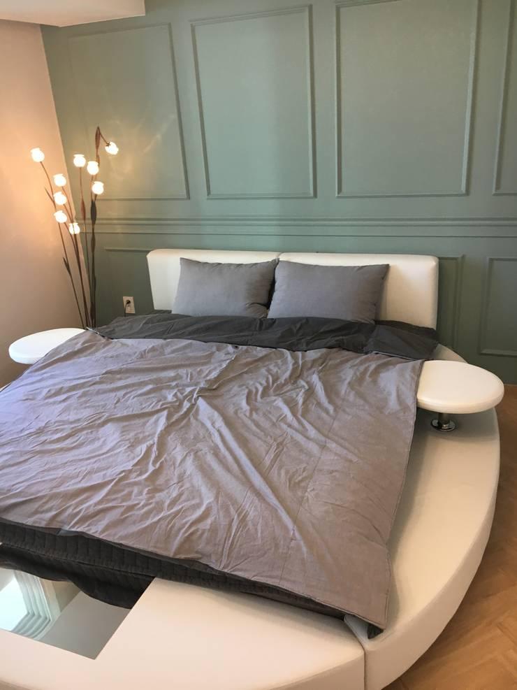[주거공간] 아파트 인테리어 40평형대: Design Partner Blue box의  침실,