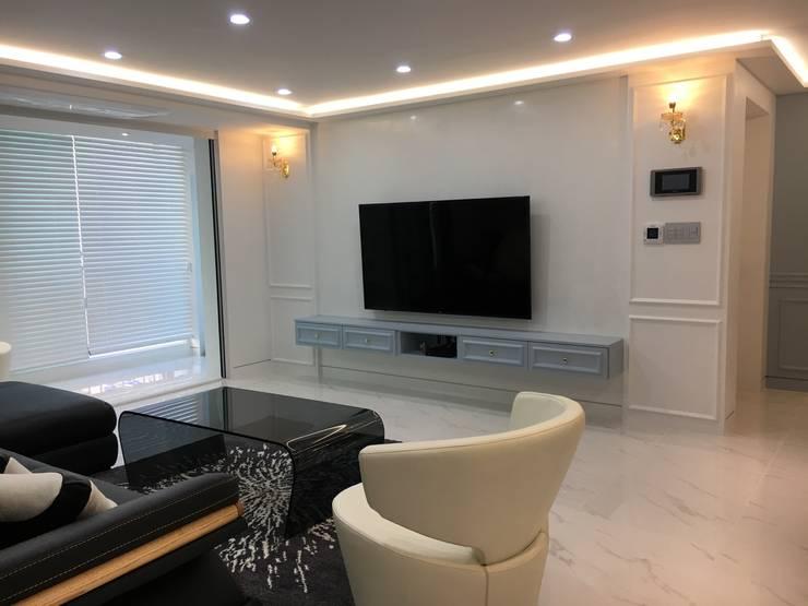 [주거공간] 아파트 인테리어 40평형대: Design Partner Blue box의  거실,