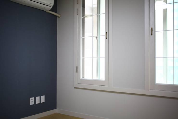 시흥 대야동 아파트24평형 인테리어: 디자인모리의  거실