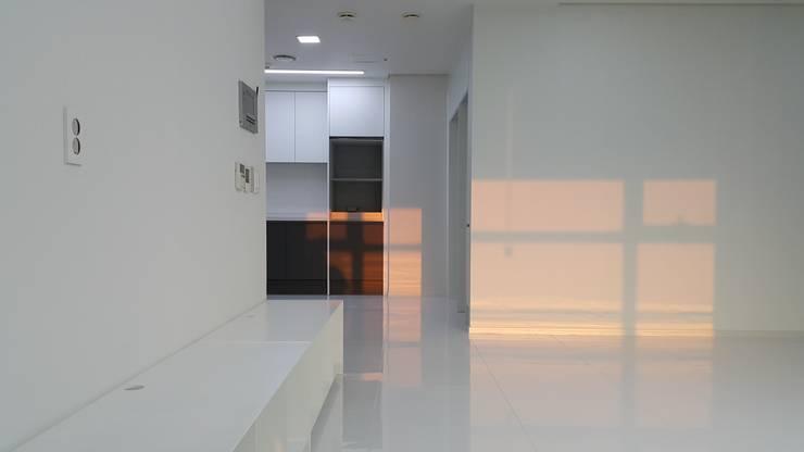 중동 두산위브 더스테이트: 디자인모리의  거실,모던
