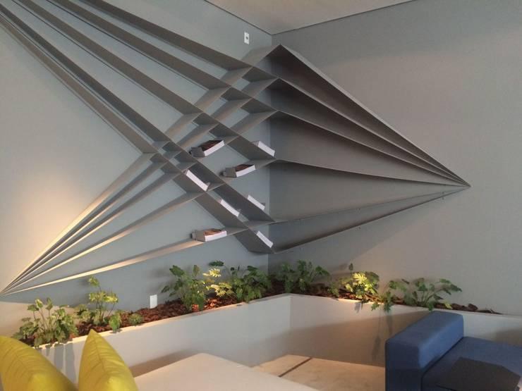 Projekty,  Przestrzenie biurowe i magazynowe zaprojektowane przez Eneida Lima Paisagismo