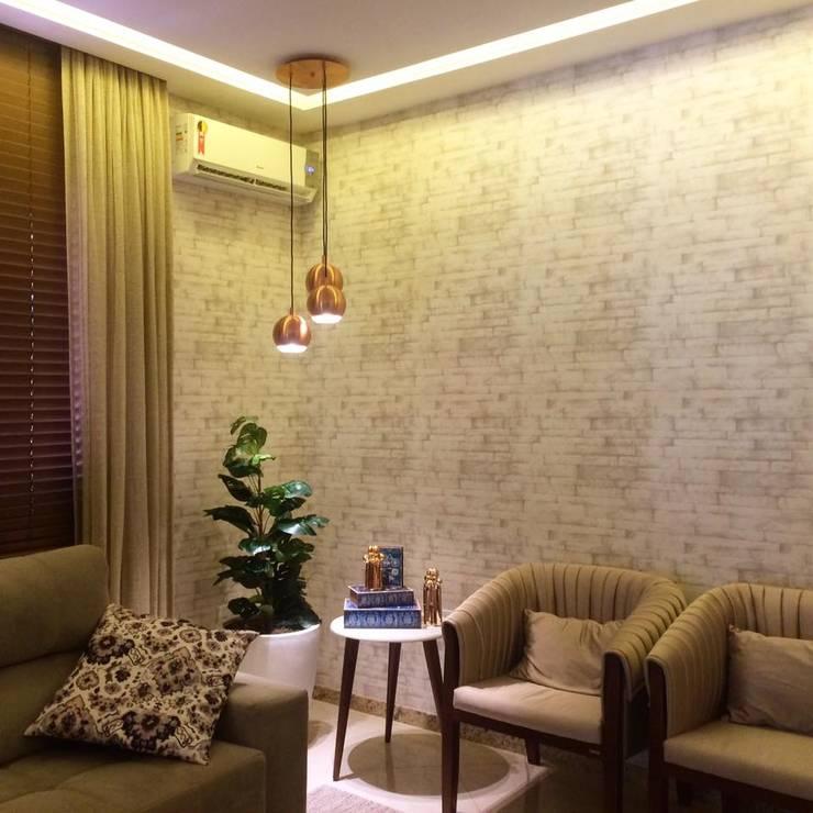 Salas de estilo  por ISADORA MARTEL INTERIORES E PAISAGISMO