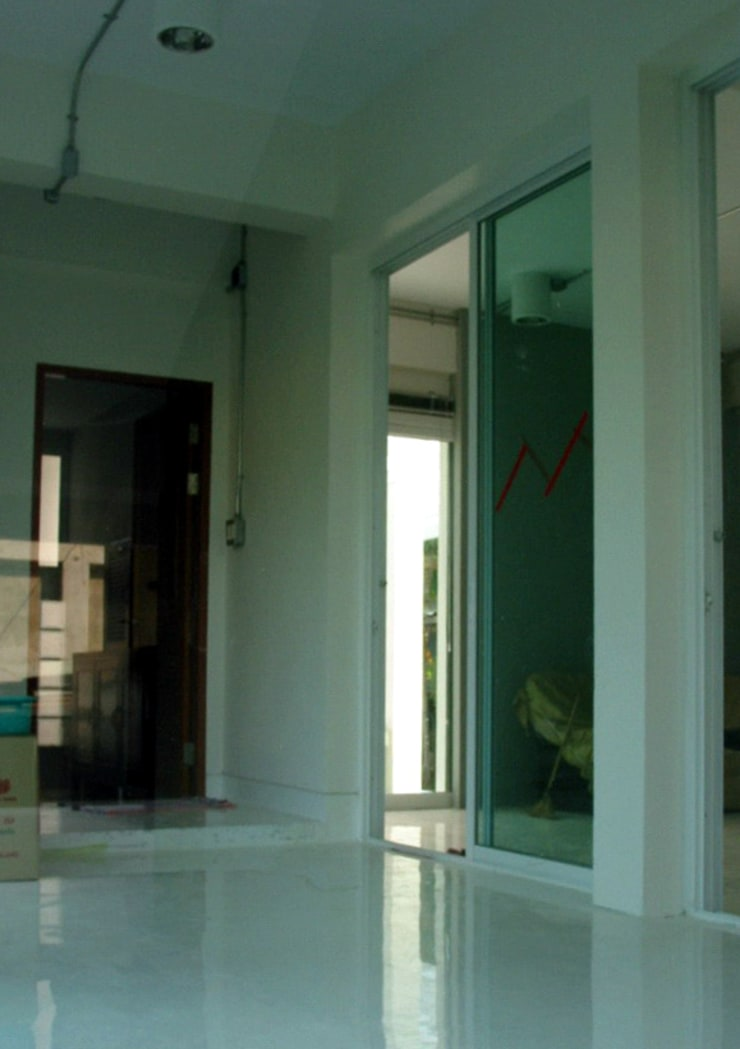 House @ ชินเขต:  ห้องนั่งเล่น by SDofA Architect