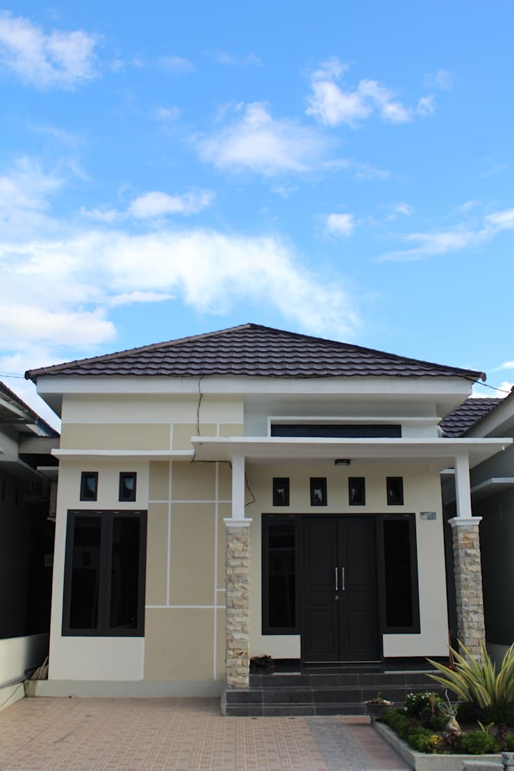 Green Garden Residence:  Rumah by Homeproperty.ID