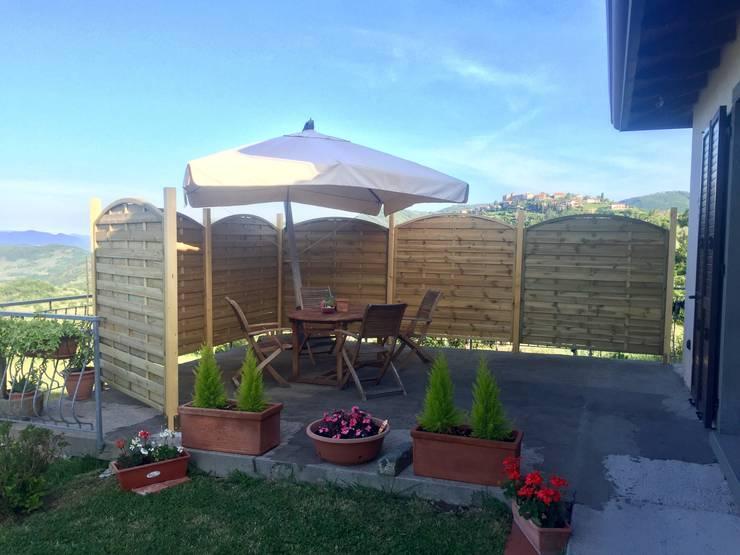 Jardines de estilo rústico por ONLYWOOD