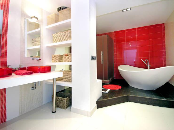 mediterranean Bathroom by TRAZOS D´INTERIORS
