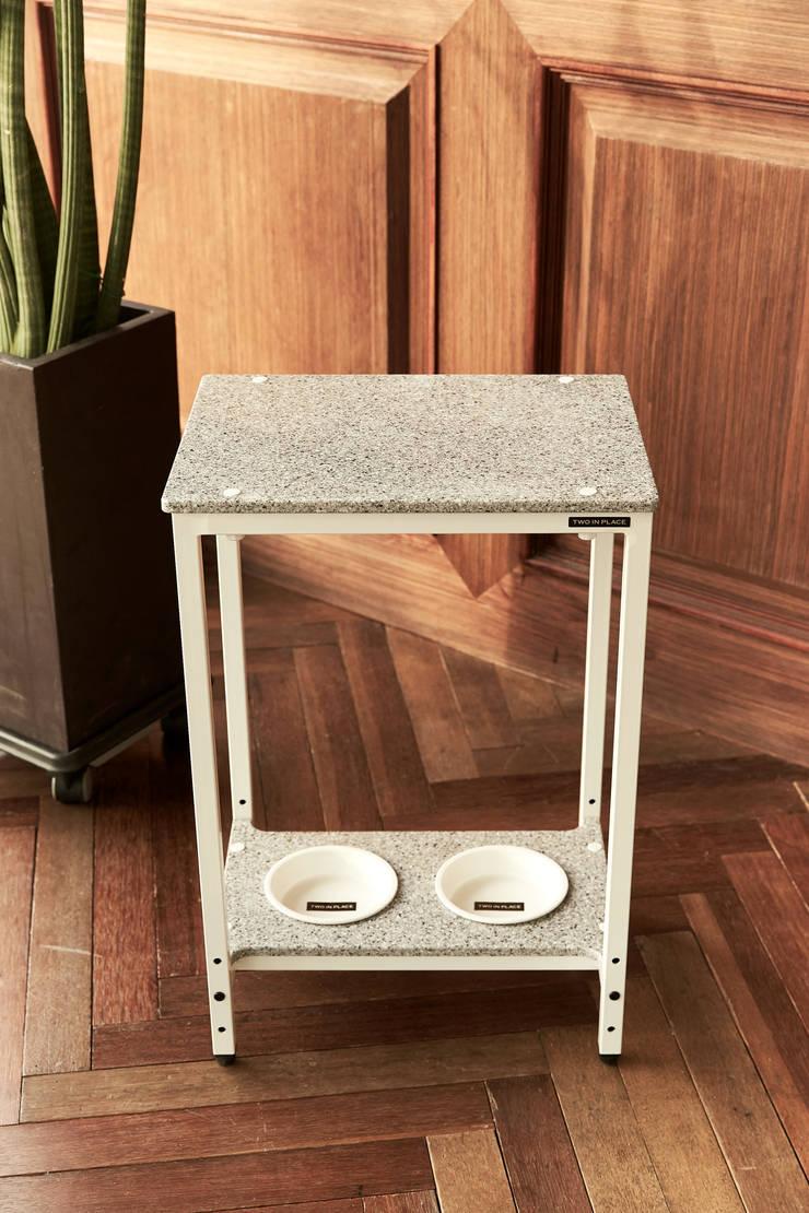 반려동물 가구 Pet Furniture – BoB키친 (쿨그레이): TWOINPLACE의  거실