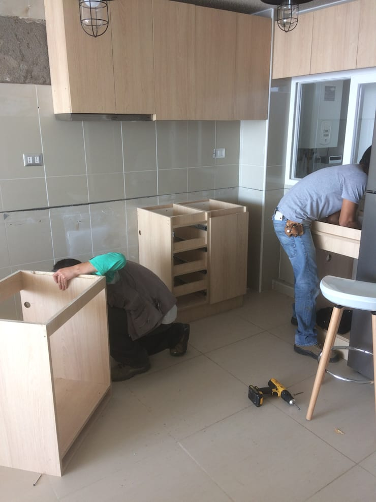 Remodelación :  de estilo  por N.Muebles Diseños Limitada