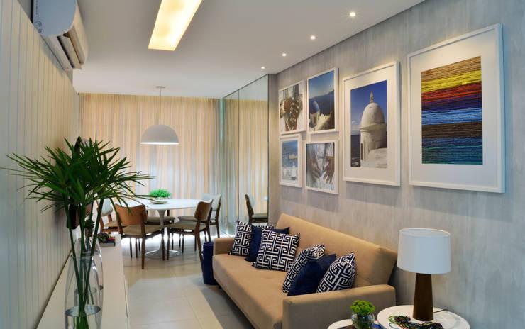 Living room by Studio MAR Arquitetura e Urbanismo