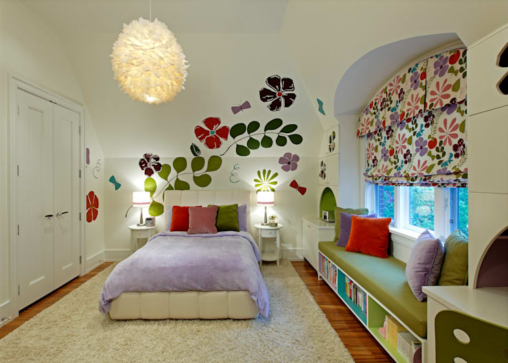 Girls Bedroom:  Bedroom by Douglas Design Studio