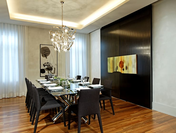Dining Room with Doors Closed:  Dining room by Douglas Design Studio
