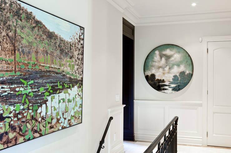 Corredores, halls e escadas modernos por Douglas Design Studio Moderno