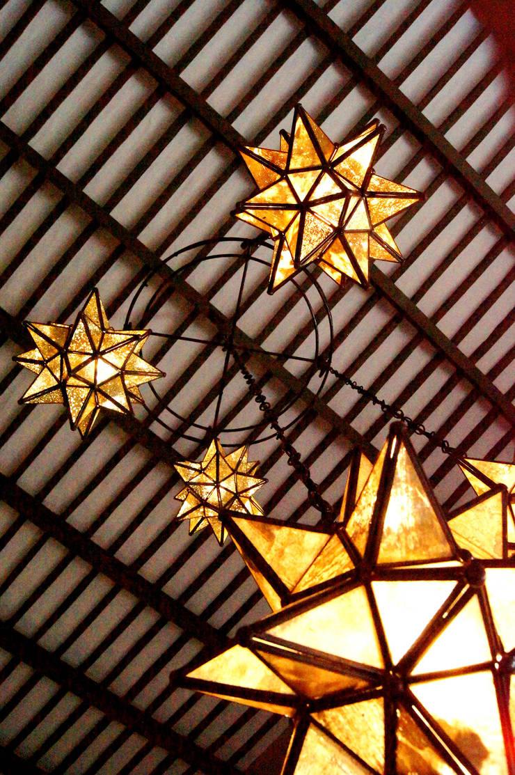 de estilo  por Quinto Distrito Arquitectura, Ecléctico Vidrio